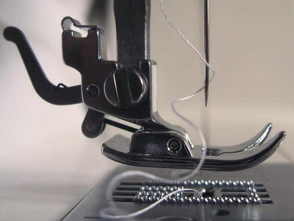 Швейная машина рвет нить